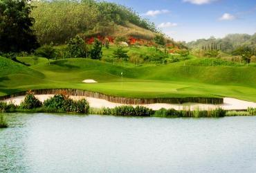 St Andrews 2000 Golf Club