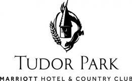 Tudor Park Country Club 标志