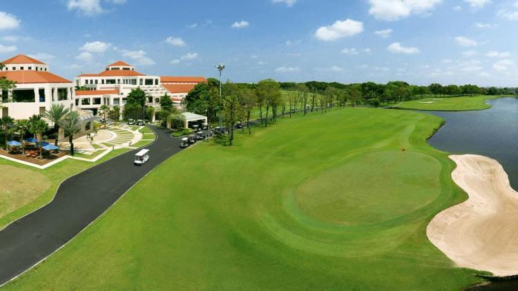 タナシティ ゴルフ&スポーツクラブ